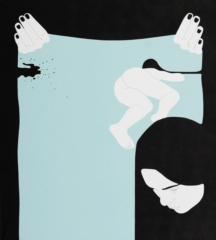 Na pierwszym planie widzimy graficznie przedstawioną twarz kobiety, spuszczającą głowę w dół, w tle widać leżącą postać na jasnym tle.